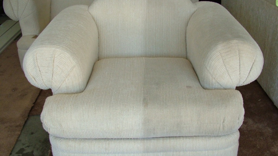 Ordinaire The Best Method To Clean Upholstered Chairs Properly   TopCleaningTips.com